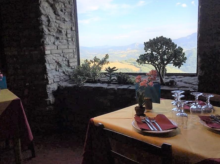 http://www.ilginepro.coop/wp-content/uploads/ristorante-5.jpg